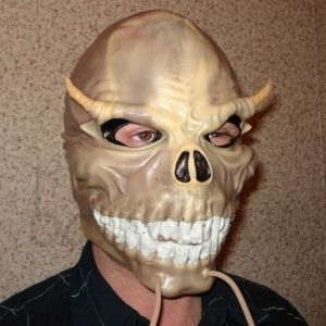 Mask of skull with horns Halloween style Accessories